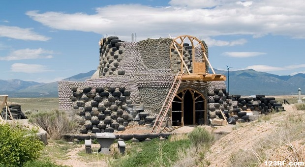 Survivopedia earthship house
