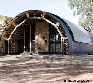 Slumtube wood pallet home