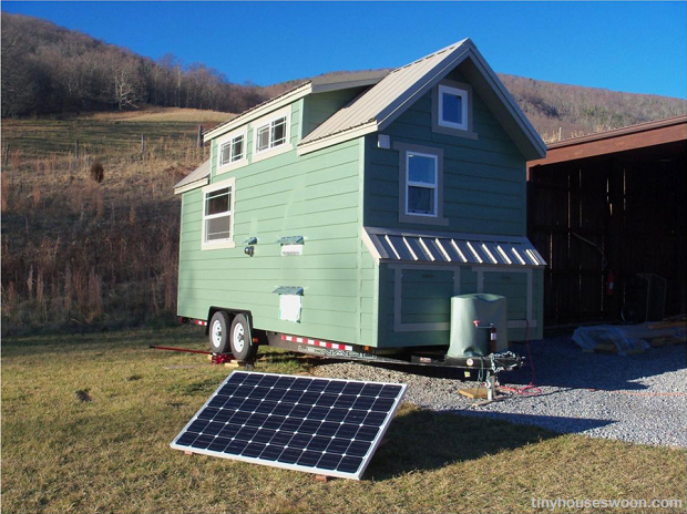 Fine On Wheels Is The New Off Grid A Guide To Tiny Houses Survivopedia Largest Home Design Picture Inspirations Pitcheantrous