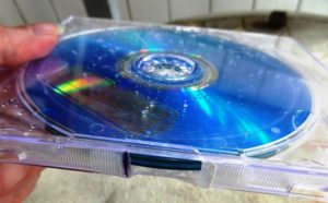 DIY Projects: How To Re-purpose Old CDs