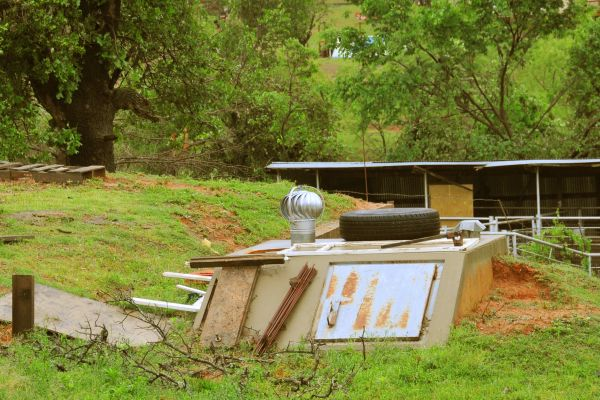 Survival Shelter: The Low-Cost Ways to Create an Effective One